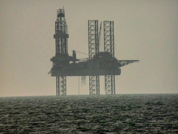 Poole Bay oil rig - February/March 2019